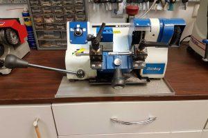 Key Duplication (Cutting) Machine