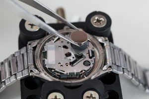 watch batteries - replacing watch battery image